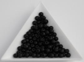 Zwart powdery 4mm / 100 stuks / KD953
