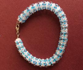 Bracelet en duo beads fait par Ingrid