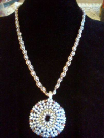 Collier avec pendentif fait par Veerle