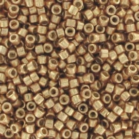 Miyuki Delica  11/0 Nr DB-1834 - 5 grammes - Galvanisé Champagne