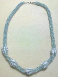 Collier Saraya  fait par Veerle