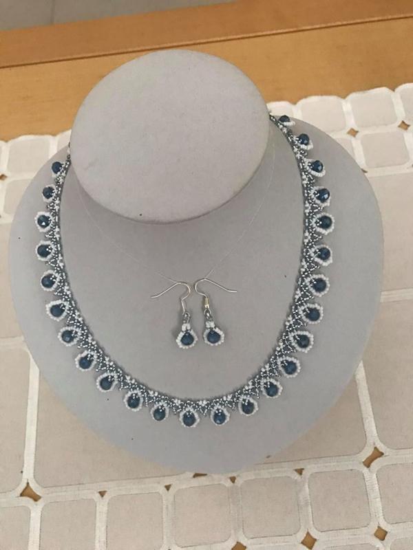 Collier fait par Marie- Jose - perles de Creadiva