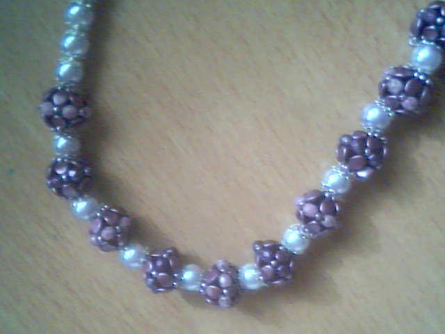Halsketting met Pinch Beads gemaakt door Hanny