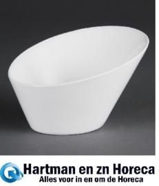 CB079 - Olympia Whiteware ovale hellende kommen