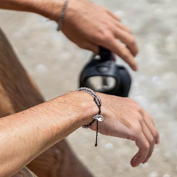 Black bracelet 4ocean