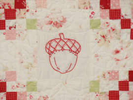 Acorn Quilt - Sweet Days