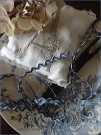 Frans bandje Blauw/Creme kronkel