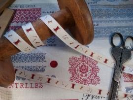 CD Frans bandje met klosjes en spelden