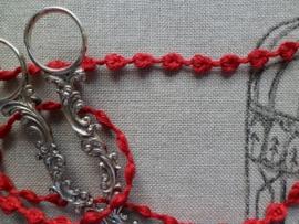 Linnen bandje met kleine  Roosjes Rood