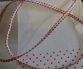 V&H Borduurband Wit met rode stip 10 cm