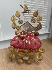 Prachtig antiek Franse bruidsstoel met wassen corsage
