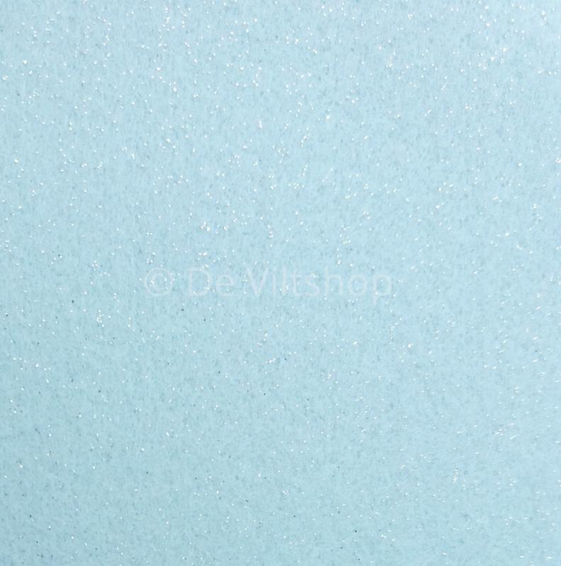 Vilt met glitters lichtblauw