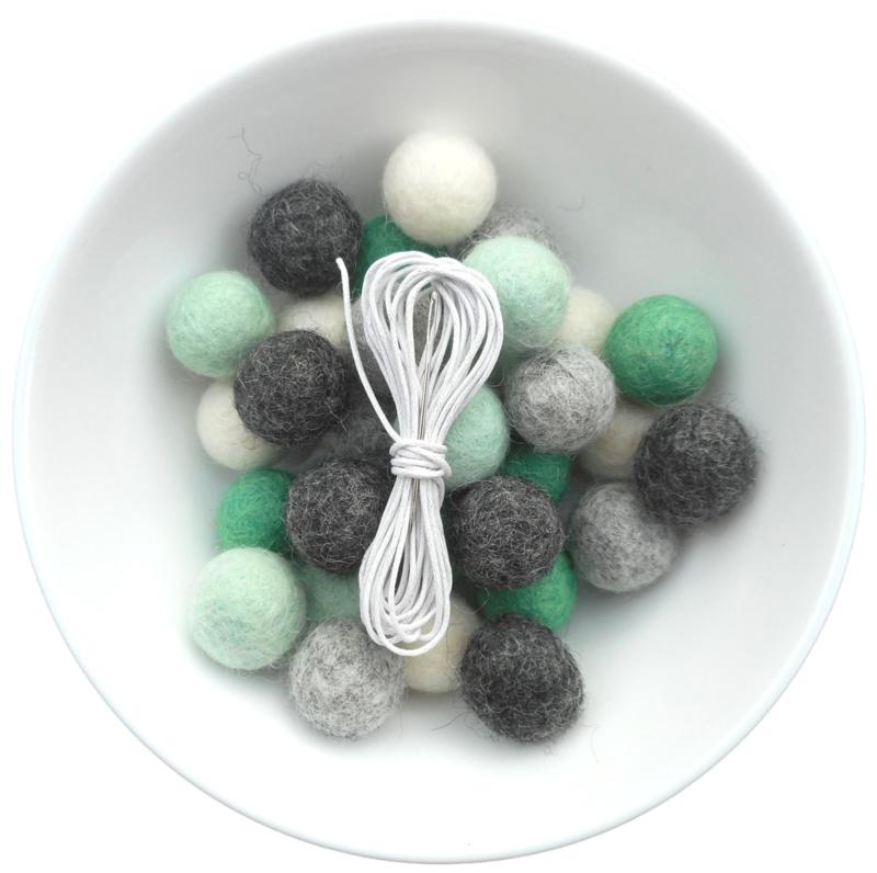 DIY slinger Mint/grijs 2cm balletjes