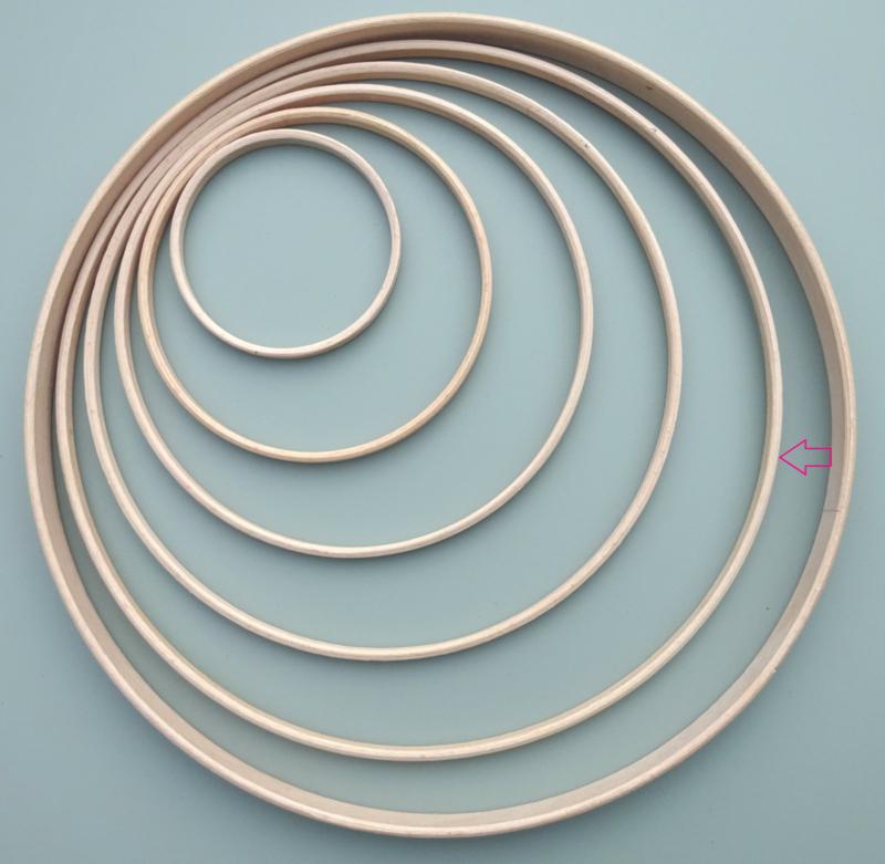 Houten ring 30cm.
