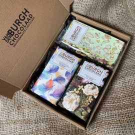 **Nieuw** Brievenbus chocbox pure chocolade (72% cacao) en zachttaaie nougat met groene pistache