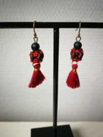 Bead in red