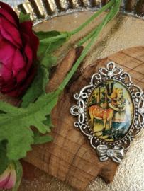 Alice in Wonderland broche zilverkleu