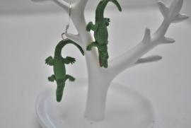 krokodil oorbellen