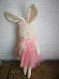 Roze stoffen konijntje