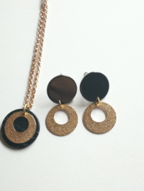 Rosé gold and black circkle set