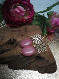 Roze steen met bloem