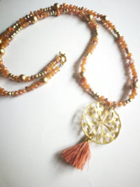 Orange boho style ketting