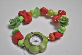 Horloge armband op rek in vrolijke kleuren
