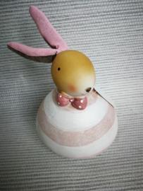 Roze wit gestreept konijn