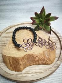 Chocolade bruine bloem en zwarte kraal armband