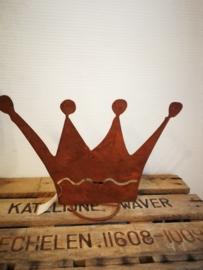 Roestkleurige kroon met ruimte erachter voor theelicht