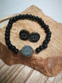 Zwarte lotus armband en oorbellen