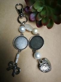 Zilverkleurige sleutelhanger personaliseerbaar