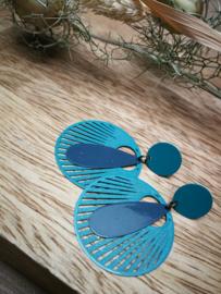 Petrol blauwe oorstekers