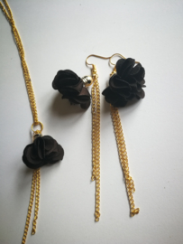 Brown and gold flower set