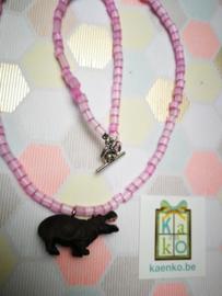 Nijlpaard ketting in roze