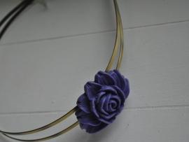Paarse bloem diadeem