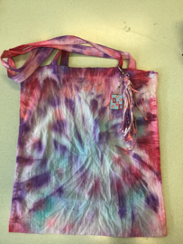 Tie-Dye je eigen gymtas met sleutelhanger