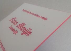 Letterpress met inkt aan de zijkant
