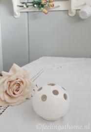 Porseleinen rozensteker