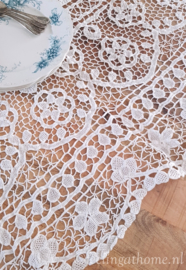 Frivolite tafelkleed 140 x 108