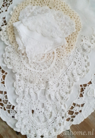 Pakketje antieke kleedjes, 7 st