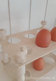 Houten eierrekje