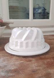Puddingvorm met bord