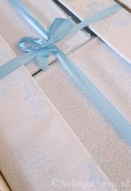 Tafelkleed + servetten in doos 140 x 140