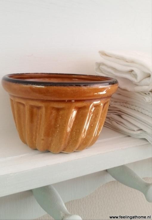 Kleine bruine puddingvorm