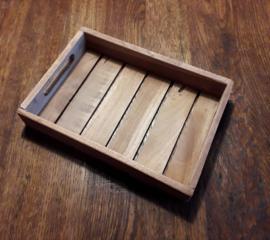 Houten tray met inhoud