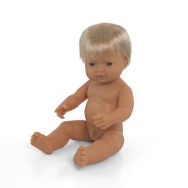 Witte pop, blond haar, jongen