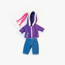 Paarse jas met jeans en sjaal, 32 cm.
