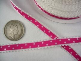 10.03 Wit lint met kartel randje en donker roze opdruk