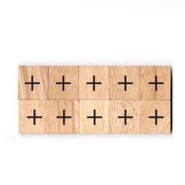 11.03 Houten scrabble blokje: +